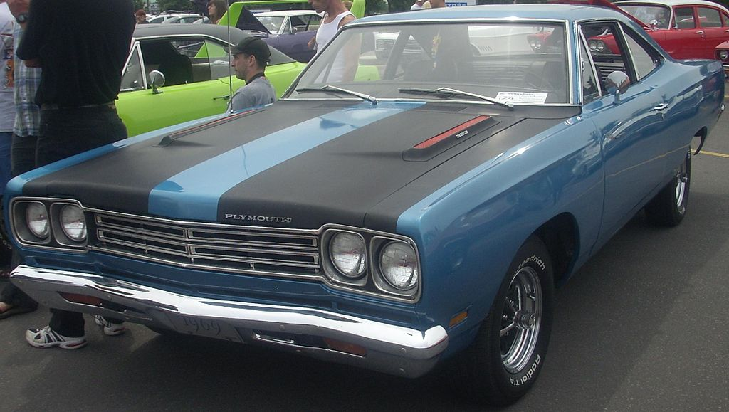 4 American Classic Muscle Cars To Look For In Salvage Auto