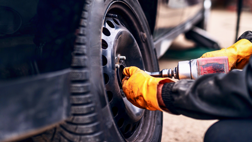 how to change a tire on a car step by step
