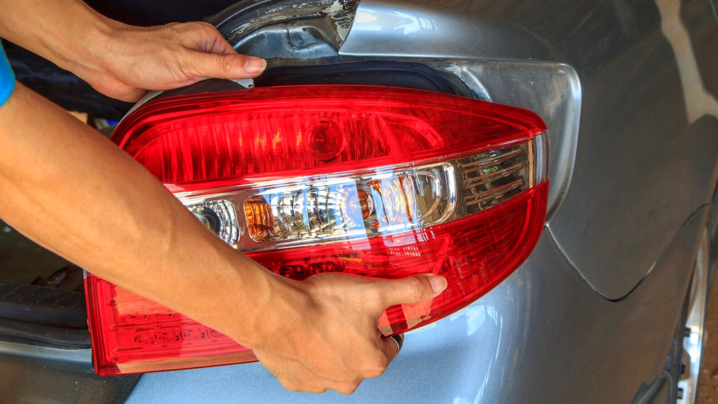 how to fix tail lights