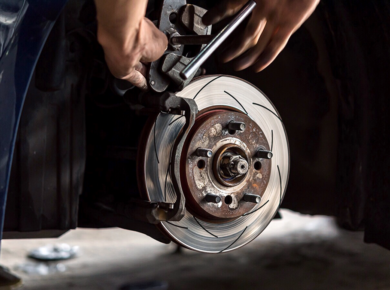how to maintain car brakes